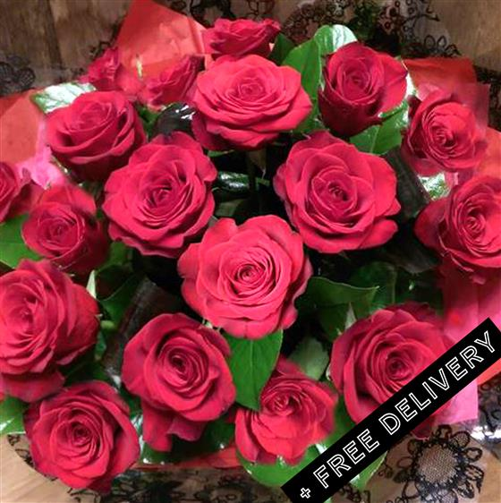 Amour 18 Red Roses (free delivery)