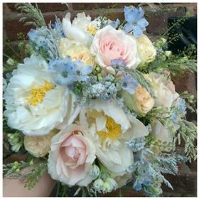 fwthumbcountry wedding bouquet.jpg