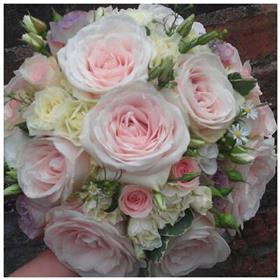 fwthumbgarden rose bouquet.jpg