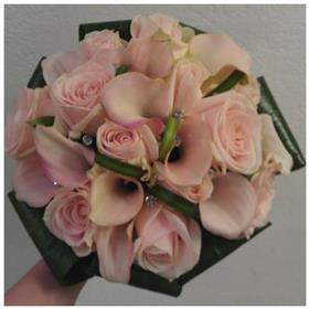 fwthumbpink calla and rose bouquet.jpg