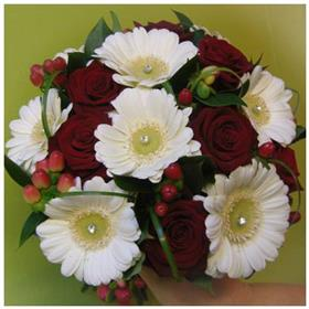 fwthumbred rose bouquet.jpg