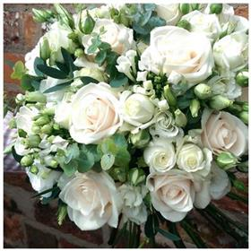 fwthumbrose wedding bouquet.jpg